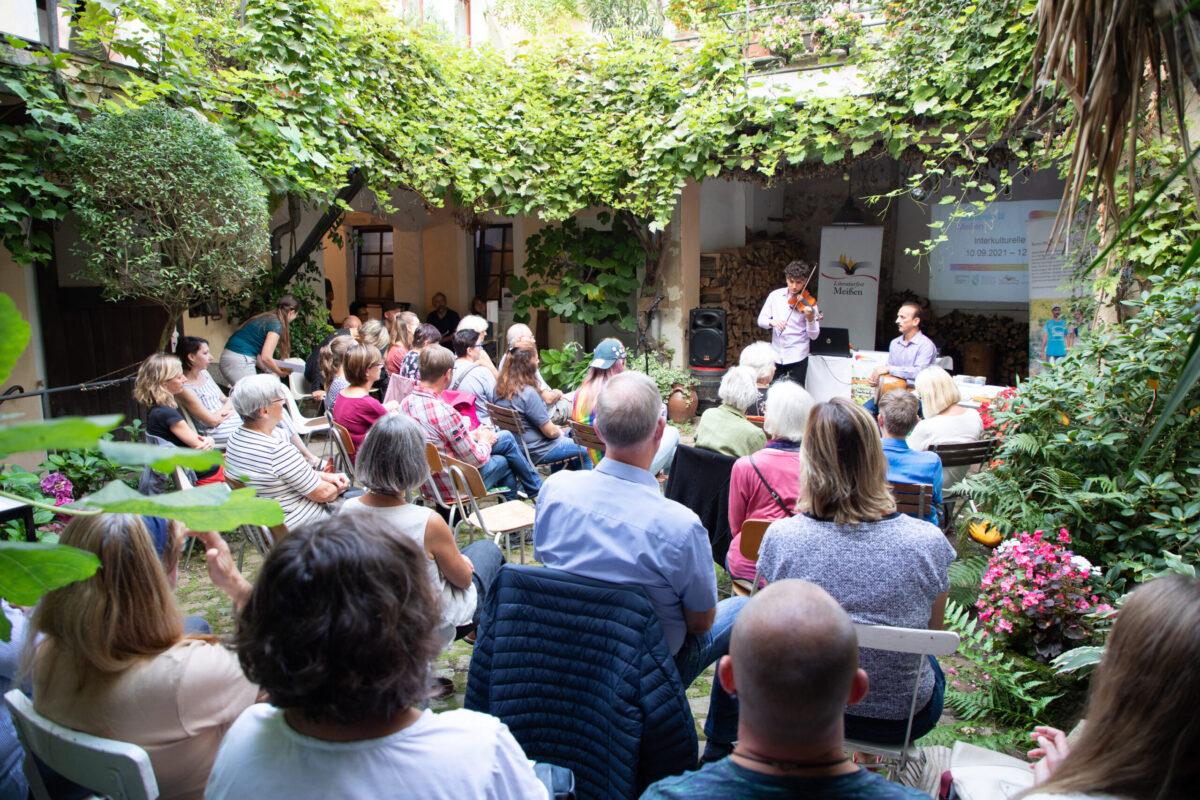 Eröffnung der Interkulturellen Bühne in der Webergasse Literaturfest Meißen 2021