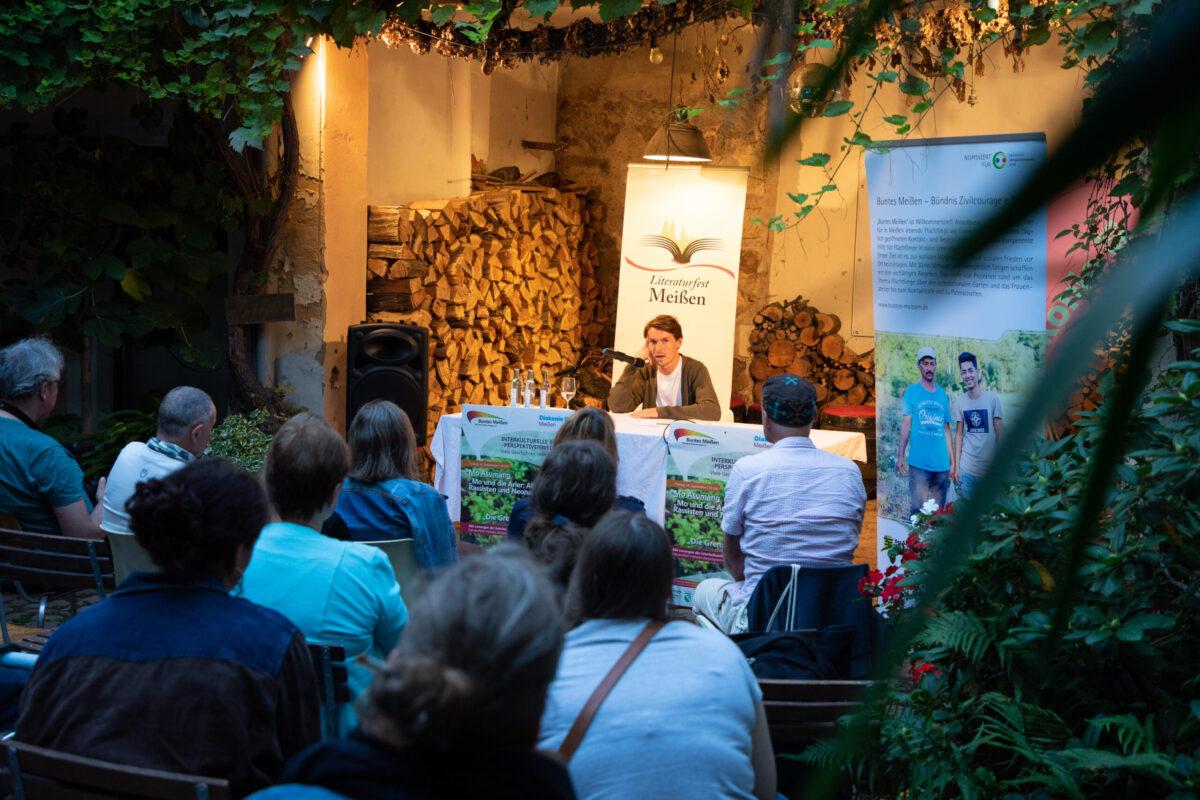 Anselm Oelze bei der Lesung auf der Interkulturellen Bühne Literaturfest Meißen 2021