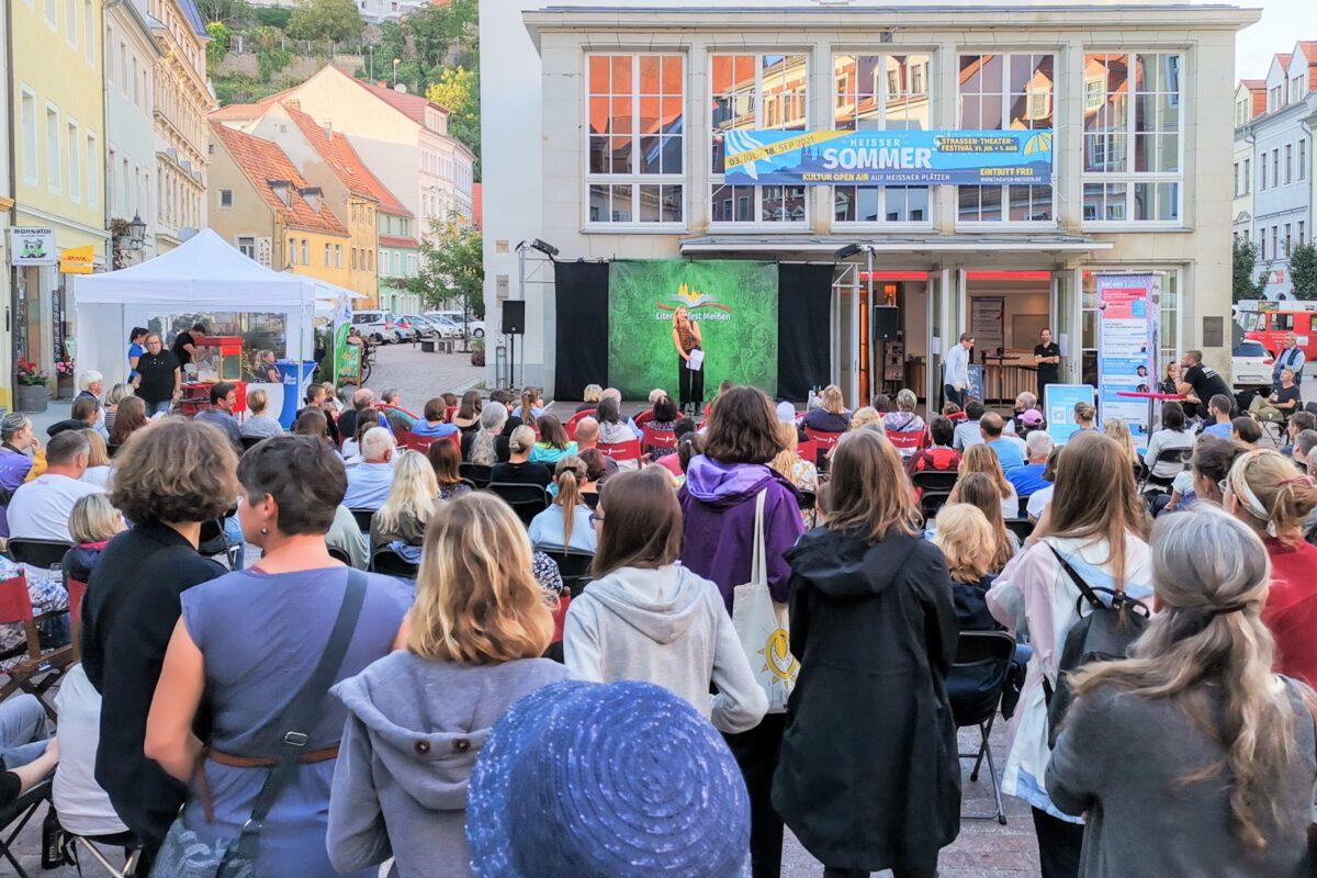 Poetry Slam auf dem Theaterplatz Literaturfest Meißen 2021